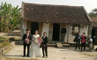 """Đám cưới """"của hiếm"""" ở Ninh Bình khiến dân mạng xúc động"""