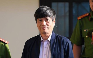 Nguyễn Thanh Hóa thở dốc, ôm ngực khi bị 'tố' khai gian dối