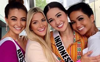"""Ứng xử """"đẳng cấp"""" trước Hoa hậu Mỹ, H'Hen Niê tỏa sáng tại Miss Universe 2018"""