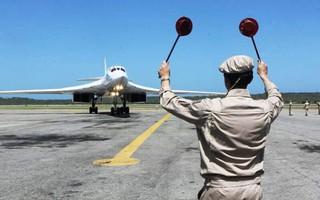 Tu-160 tới Venezuela, Nga nhắn nhủ: Mỹ cứ rút khỏi INF, cứ rót tiền đi, làm gì cũng vô ích