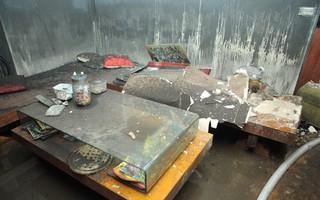 Cảnh tan hoang bên trong căn nhà cháy tại tầng 18 chung cư ở Hà Đông