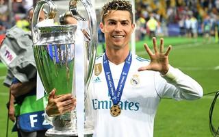 """Cristiano Ronaldo: Lịch sử buộc phải gọi tên vị anh hùng """"người trần mắt thịt"""" ấy!"""