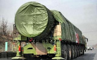 """Chuyên gia Mỹ: Trung Quốc thiếu đầu đạn hạt nhân, tên lửa DF-41 như """"súng không đạn"""""""