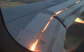 World Cup 2018: Máy bay chở đội Saudi Arabia đột ngột bốc cháy