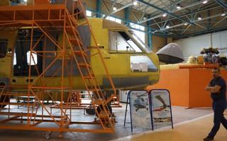 """PV Việt Nam và quốc tế bị cảnh vệ Nhà máy trực thăng Kazan buộc """"quay súng"""": Chỉ biết cười"""