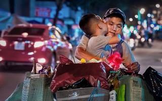 """Nụ hôn ngọt ngào trong đêm Trung thu và sự nhầm lẫn khiến người ta """"cay mắt"""""""