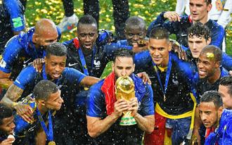 Mất gần 100 tỷ đồng vì Pháp vô địch World Cup, công ty Trung Quốc vẫn xoa tay hài lòng
