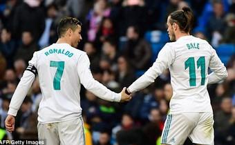 Ronaldo tỏa sáng, cùng Real đạt 2 cột mốc khiến Messi, Barca phải nể