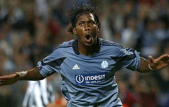 Drogba bị CĐV đội bóng cũ xua đuổi