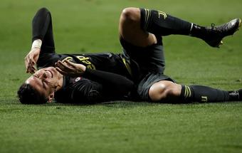 """Tung 2 cú đòn chớp nhoáng, Atletico Madrid """"vùi lấp"""" giấc mơ vô địch của Ronaldo"""