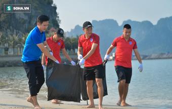 Sau những tranh cãi về V.League, ông bầu và dàn sao Quảng Ninh có hành động đầy ý nghĩa