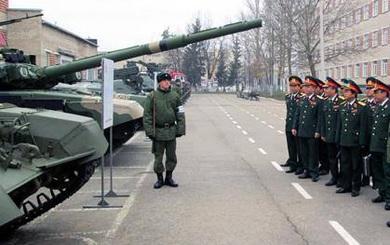 Giáo viên xe tăng Nga: Chúng tôi chẳng còn gì để dạy các bạn Việt Nam cả!
