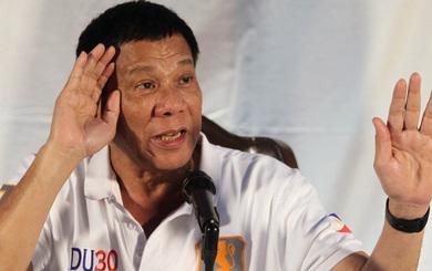 """Hoàn Cầu: Tổng thống Philippines """"thả bóng"""", """"vờn"""" Trung Quốc về biển Đông"""
