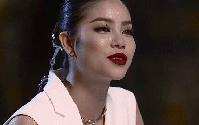 """""""Thủ tiêu"""" người giỏi, Phạm Hương đang dạy học trò The Face cái gì?"""
