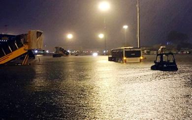 Chủ tịch TP.HCM: Triều cường không cao, nước không lớn tại sao cả quận Tân Bình bị ngập?