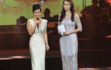 Phản ứng của Hồng Nhung trước nữ MC bị khán giả cười nhạo