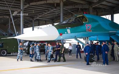 """Tiếp cận cự ly gần, Trung Quốc """"quan tâm đặc biệt"""" đến Su-34"""