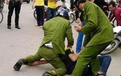 TP. HCM: Gây rối giữa đường, người đàn ông dùng dao tấn công Công an