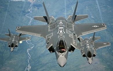 Tiếp tục chậm chân, PAK FA sẽ bị F-35 lật đổ ngay tại thị trường truyền thống?