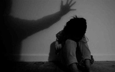 Hà Nội: U60 xem phim khiêu dâm rồi xâm hại bé gái 6 tuổi