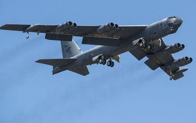Mỹ chuẩn bị đưa các máy bay B-52 chất đầy bom hạt nhân vào trực chiến 24/24h