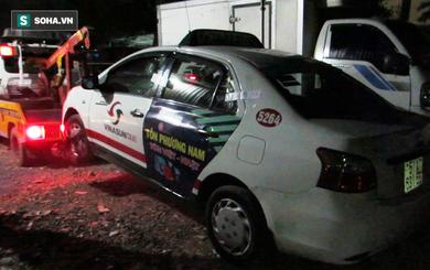 TP HCM: Người đàn ông chỉ mặc áo, chết bất thường trong xe taxi
