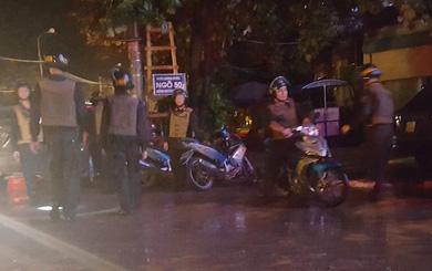 Một cảnh sát bị thương khi ngăn chặn nhóm thanh niên hỗn chiến ở quán bar