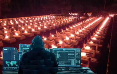Vị tỷ phú nổi tiếng thế giới ngồi làm việc trên chiếc bàn bắc qua 2 nấm mộ