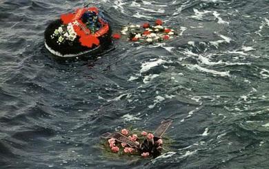 """Tàu ngầm Kursk và chuyến đi bi thảm: Tín hiệu cầu cứu """"chết chóc"""" từ đáy biển, TG nín lặng"""