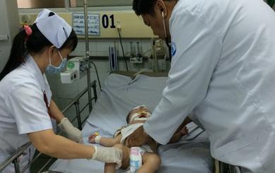 BS Bệnh viện Nhi đồng 1: Khi trẻ sốt cao co giật, cha mẹ tuyệt đối không mắc sai lầm này