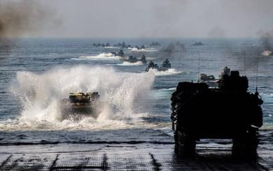 """Tập trận rầm rộ dằn mặt Mỹ-Nhật-Hàn: Bị 1 hiệp ước """"trói chân"""", TQ đã hết đường lui"""