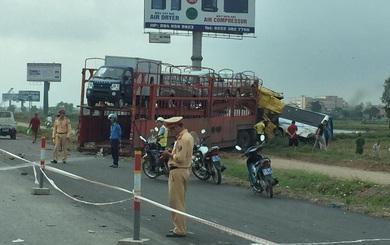 Container đâm xe khách lao xuống ruộng trên cao tốc Pháp Vân - Cầu Giẽ