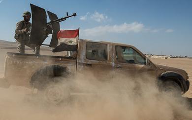Sắp giải phóng Deir ez-Zor khỏi IS, quân Nga-Syria bất ngờ bị đồng minh Mỹ nã pháo dữ dội