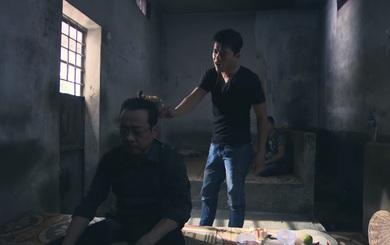 """""""Người phán xử"""", tập 27: Cái kết ám ảnh cho bạn tù dám dọa dẫm, gõ đùi gà vào đầu ông trùm"""