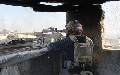 Điều đặc biệt trên quân phục hé lộ hiểm nguy với lính Mỹ ở Mosul từ khi Trump nắm quyền