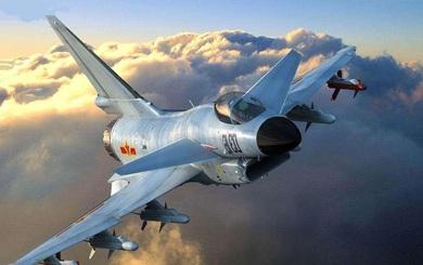 Chiến đấu cơ TQ chặn đường, ép máy bay do thám Mỹ phải đổi hướng trên biển Hoa Đông