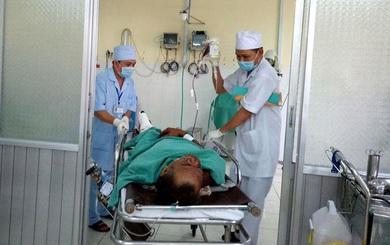 """Người sống sót trong vụ nổ ở Khánh Hòa: """"Chúng tôi cưa đạn lấy sắt bán để mua gạo"""""""