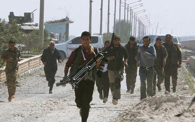 """Syria thời hậu IS: Nga rút quân, Mỹ không ngừng """"bơm"""" viện trợ cho quân nổi dậy SDF?"""