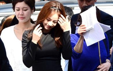 Bí quyết thời trang để Kim Tae Hee trẻ như 18 khi đã gần 40