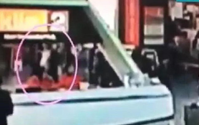 Xuất hiện video ghi lại khoảnh khắc ông Kim Jong-nam bị giết