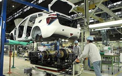 Ô tô nội địa giảm giá trăm triệu: Đón thời điểm quyết mua xe