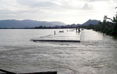 """Bộ NN&PTNT lý giải nguyên nhân vỡ đê: Nước lũ vượt """"tiêu chuẩn thiết kế"""" của đê"""