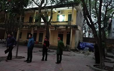 [CẬP NHẬT] Bí thư huyện thông tin vụ sập lan can trường Tiểu học Văn Môn khiến 16 trẻ nhập viện