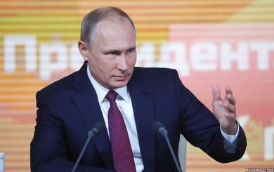 """Tổng thống Putin mô tả tình huống lúc hạ cánh xuống """"chảo lửa"""" Syria"""