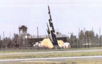 Vì sao xác 1 chiếc B-52 bị tên lửa VN hạ gục trong 12 ngày đêm lại nằm ở tận... Đà Nẵng?