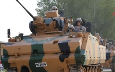 Xe tăng xuất hiện tại Qatar, khối Ả Rập bắt đầu lo ngại
