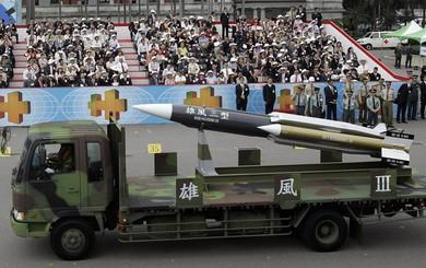 Học giả Đài Loan: 1.000 quả tên lửa tầm trung có thể khống chế hơn 30 sân bay Đại lục