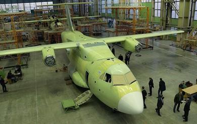 """Chậm chân, IL-112V Nga để """"vuột"""" khách hàng thân thiết KQ Việt Nam vào tay Airbus C-295"""