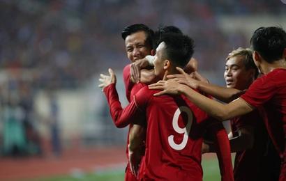 Bàn thắng và thẻ đỏ: Sự trùng hợp kỳ lạ giữa Tiến Linh với nhà vô địch World Cup 2010