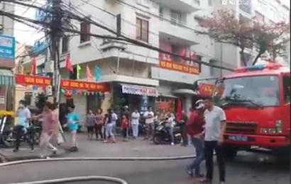 Cứu thoát 2 người bị kẹt trong đám cháy tiệm áo cưới ngày đầu năm Canh Tý